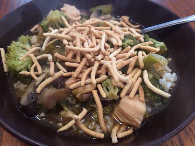 Vegetable-full Chicken Chow Mein